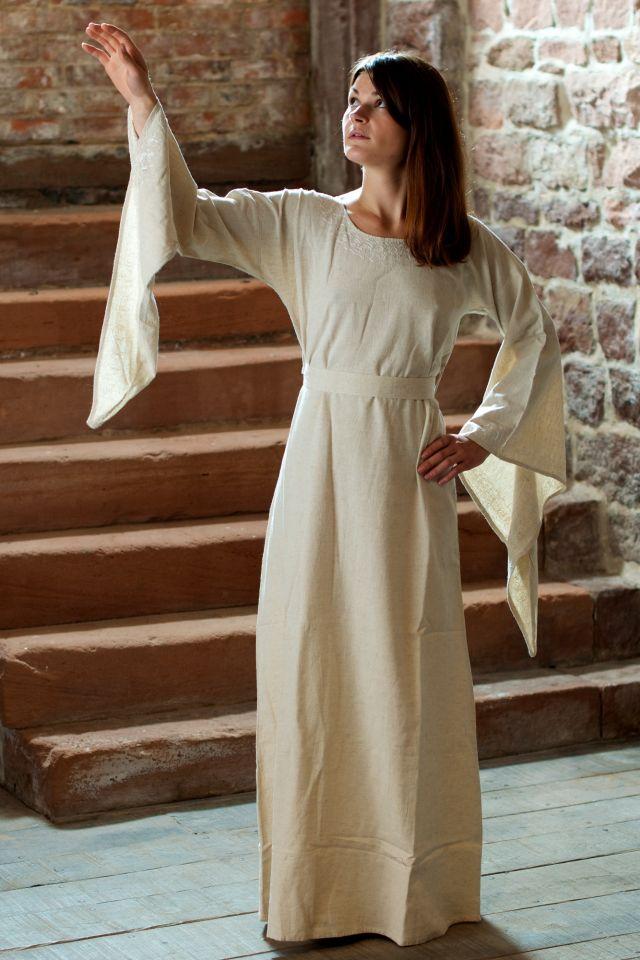Robe médiévale en lin blanc-écru 2