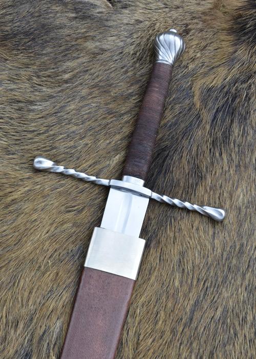 Epée batarde avec fourreau 2