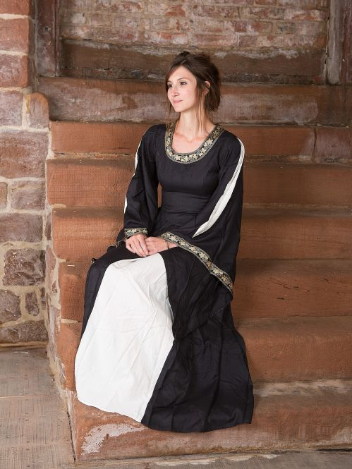 Robe médiévale à gros galons, noire et écrue S 2