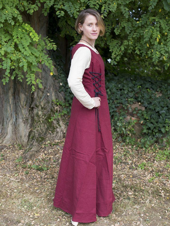 Robe médiévale sans manche en rouge 2