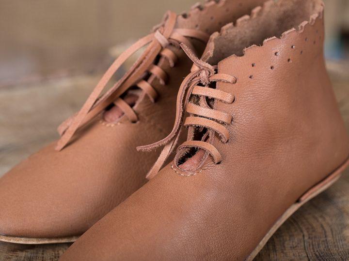 Chaussures médiévales avec lacets 2