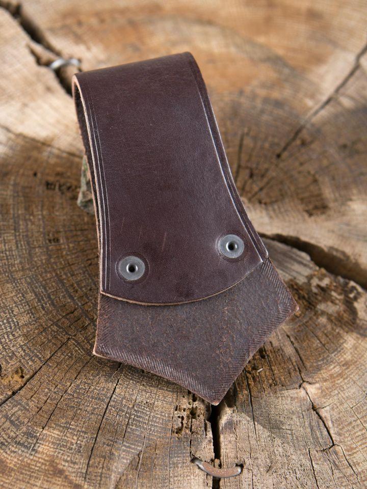 Porte-hache en cuir marron avec anneau 2