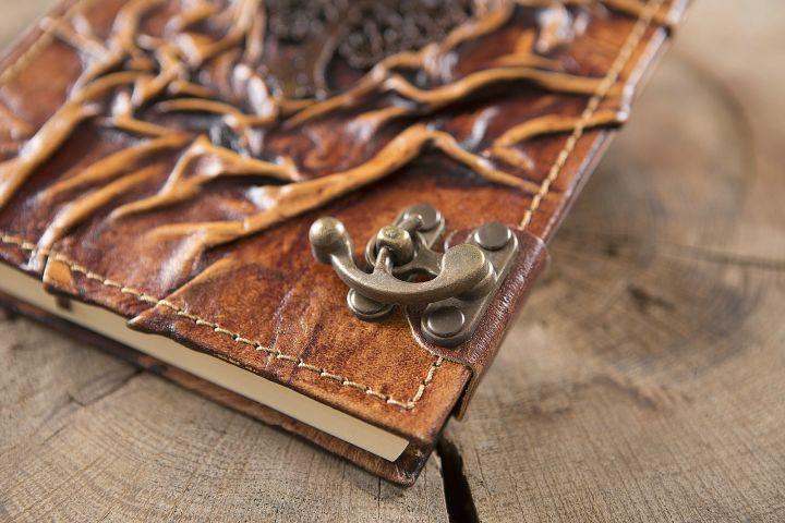 Grand carnet en cuir motif arbre 2