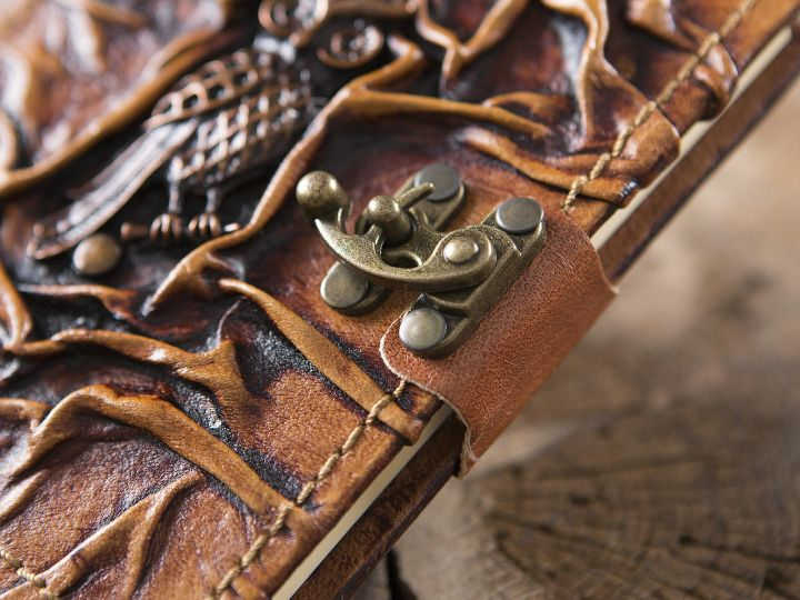 Petit carnet en cuir, motif chouette 2