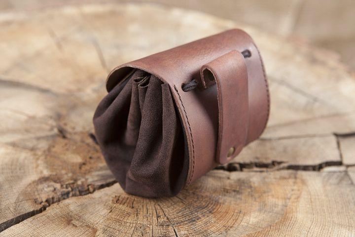 Petit sac de ceinture en cuir, en marron foncé 2