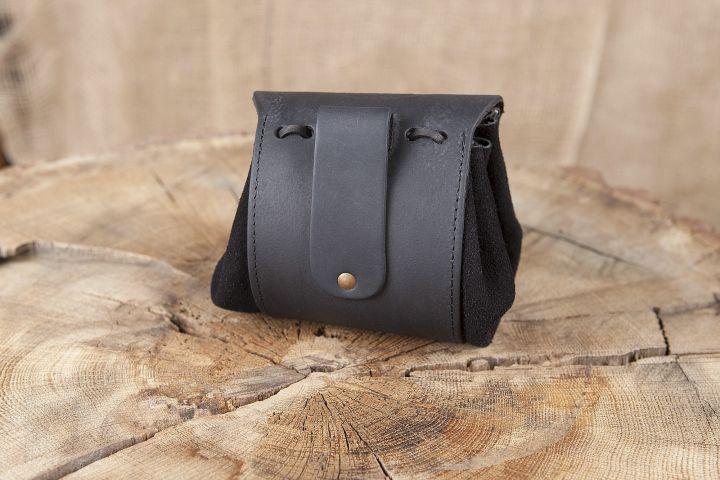 Petit sac de ceinture en cuir Triskele en noir 2
