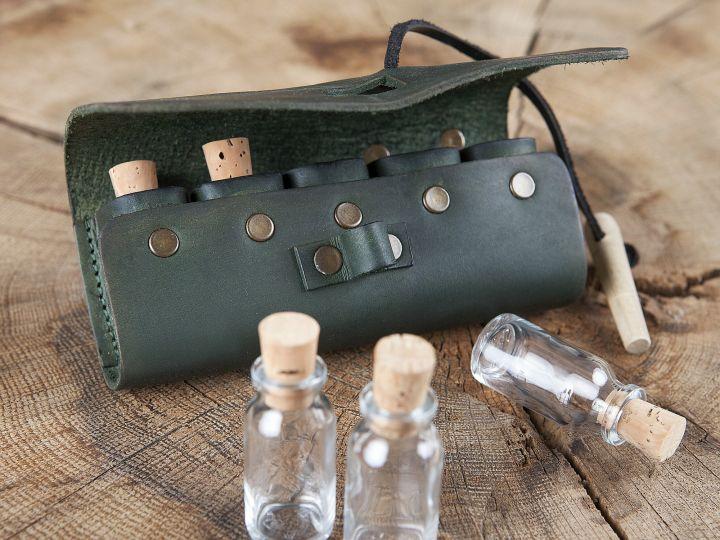 Sacoche de ceinture en cuir, porte flacons en vert 2