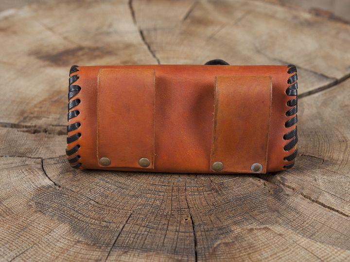 Sac de ceinture en cuir couleur miel avec bouton en bois 2