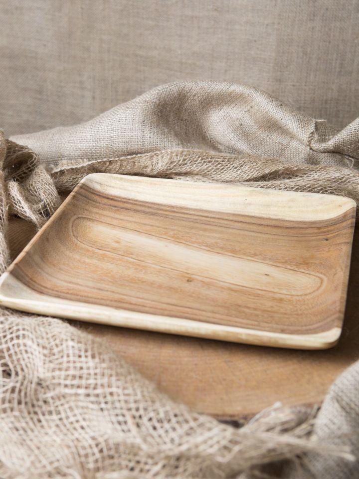 Assiette carrée en bois d'acacia 2
