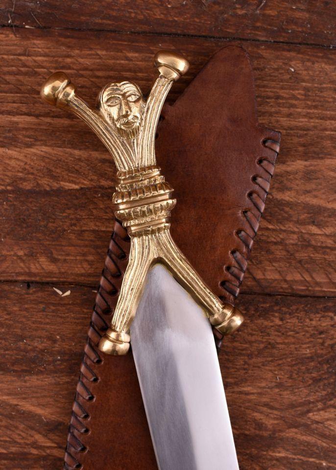 Dague celtique, pommeau et poignée forme humaine 3