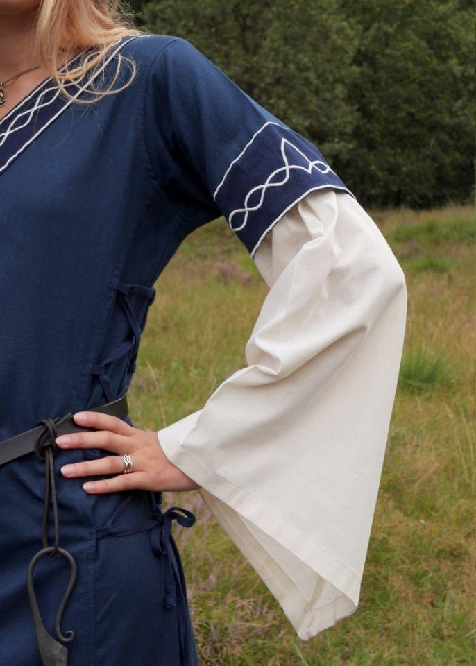 Robe Agatha bleue 3