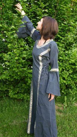 Robe médiévale bleue, lacée sur les côtés 3