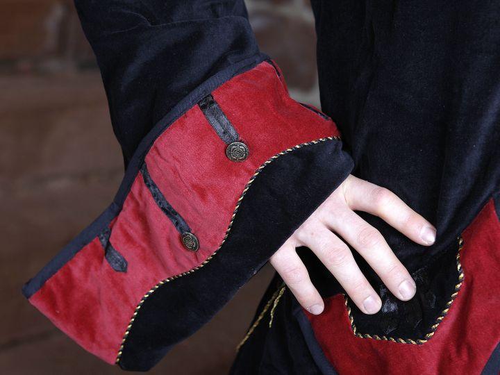 Pardessus noir et rouge 3