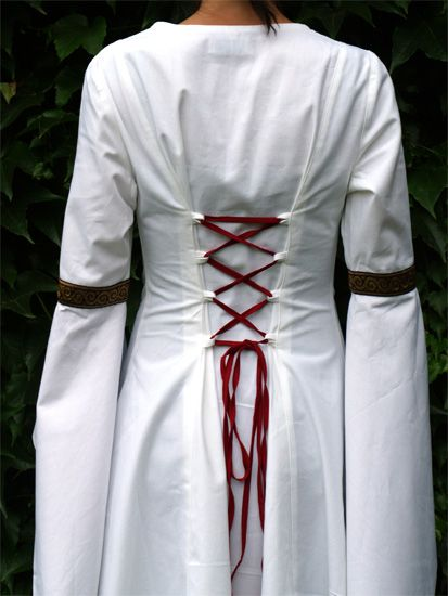 Robe médiévale de soirée 3