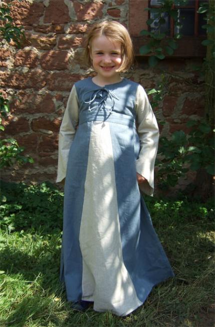 Robe Sophia 122/128 3