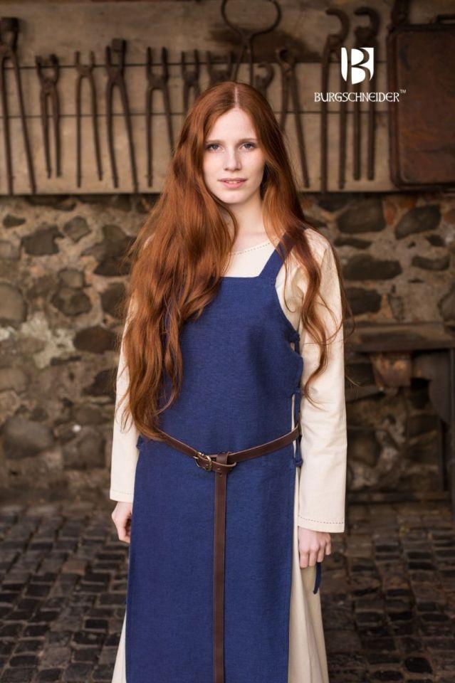 Robe tablier Gyda en bleu 3