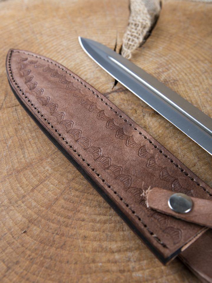 Dague avec manche en bois 3