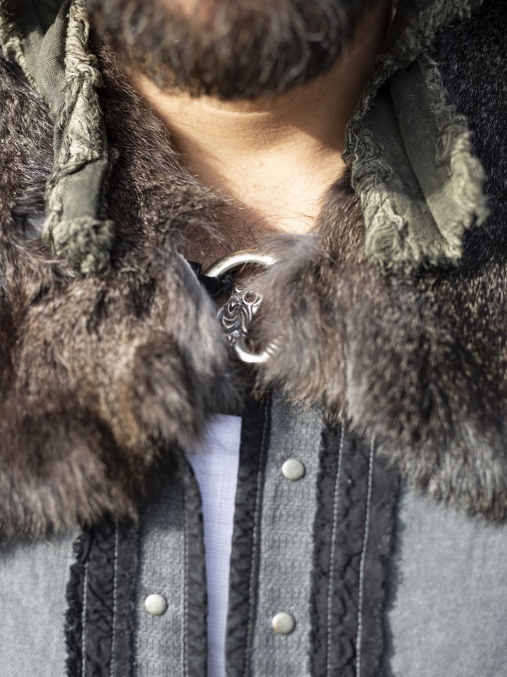 Capelet médiéval en fourrure Alaska 3