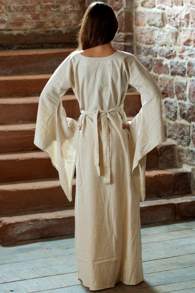 Robe médiévale en lin blanc-écru 3