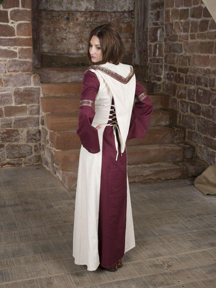 Robe  rouge et blanche, avec capuche et broderies L/XL 3