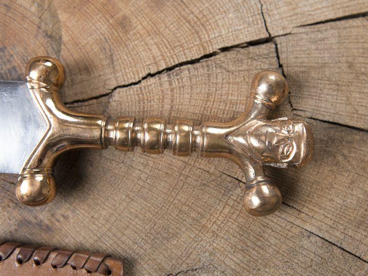 Dague celtique avec poignée en bronze 3