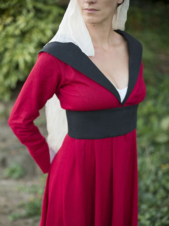 """Robe burgonde """"Marguerite d'York"""" 3"""