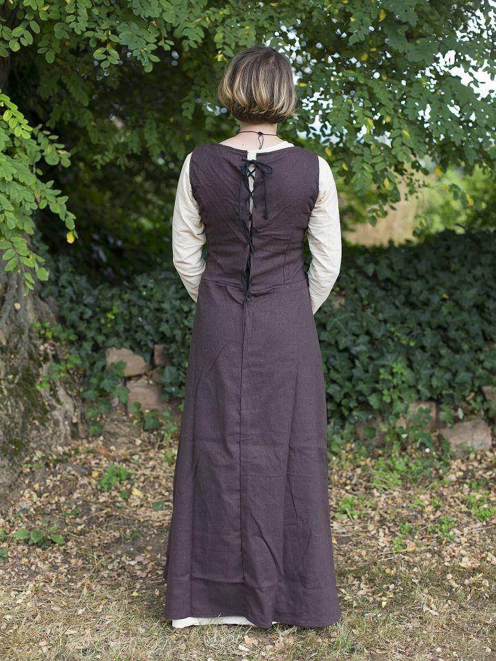 Robe médiévale sans manche en marron 3