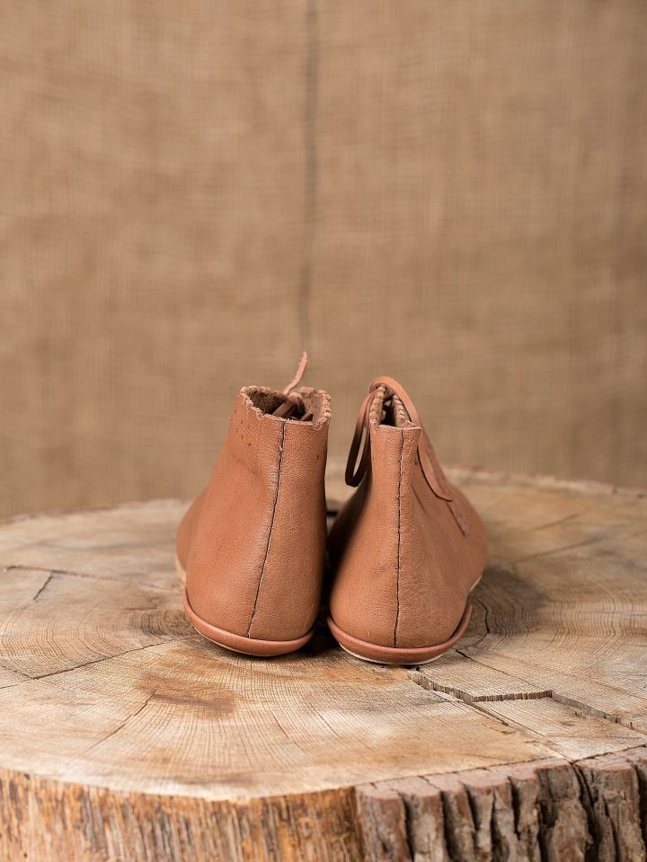 Chaussures médiévales avec lacets 3
