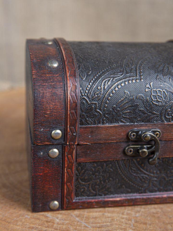 Coffret en bois avec revêtement en cuir 3