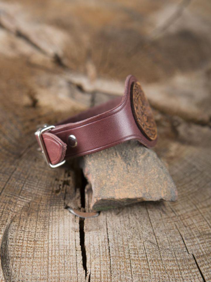 Bracelet en cuir rouge motif Triskele 3