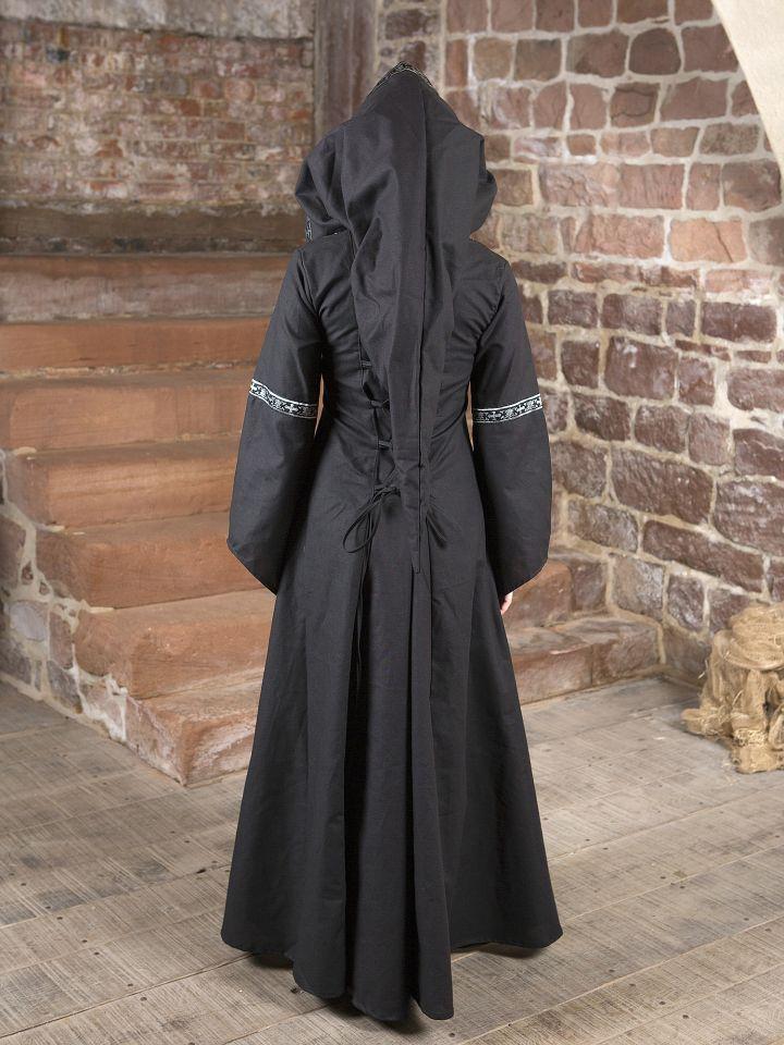 Robe médiévale Brida en noir et blanc 3