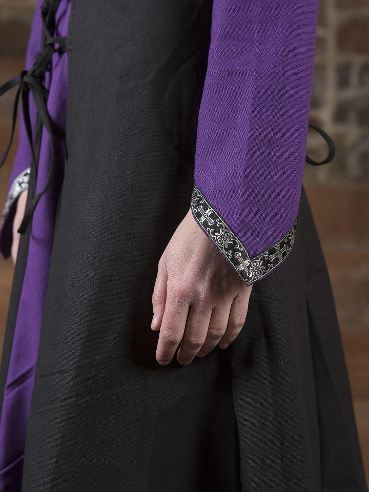 Robe médiévale Jacqueline en noir et lilas 3