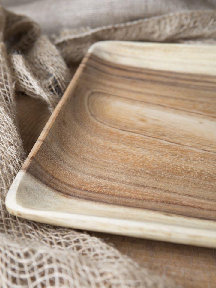 Assiette carrée en bois d'acacia 3