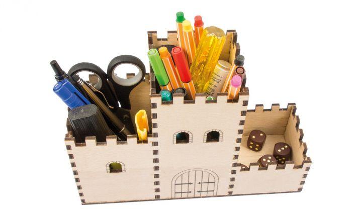 Boîte à crayons château fort 3