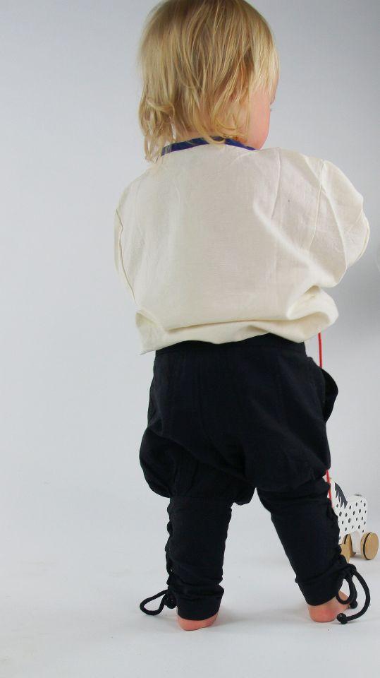 Pantalon médiéval enfant en noir 3