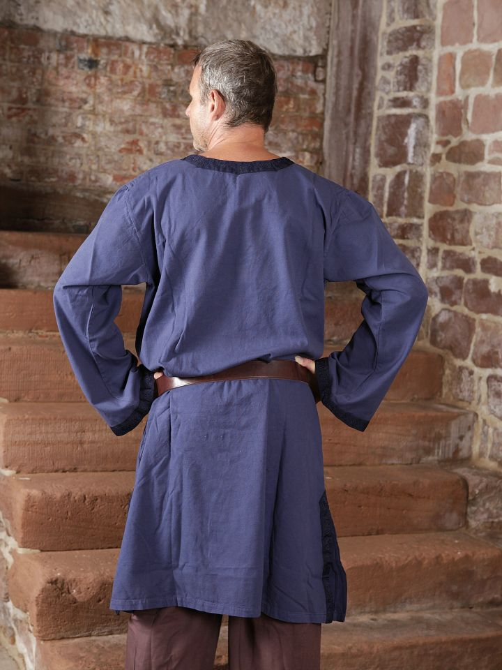 Tunique médiévale à galon en bleu 4