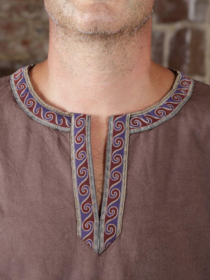 Tunique médiévale à galon en brun, en coton 4