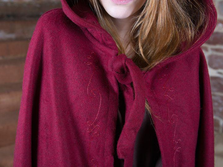 Cape en laine brodée, rouge 4