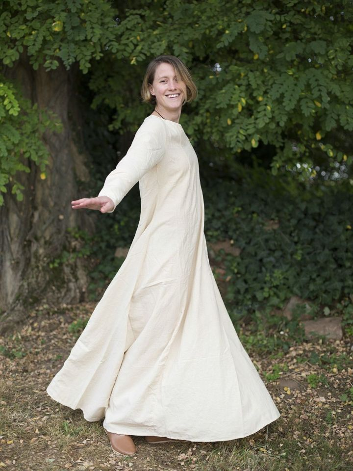 Robe médiévale simple en blanc-écru L 4