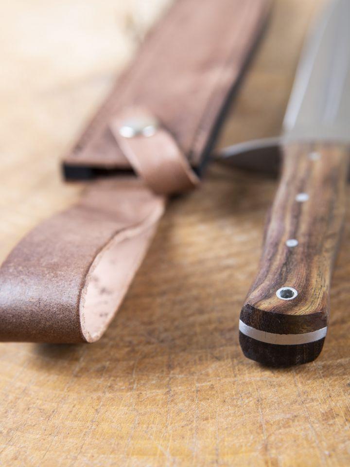 Dague avec manche en bois 4