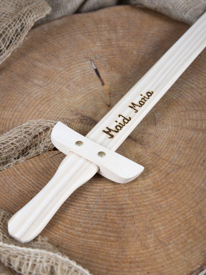 Petite épée en bois avec gravure personnalisable 4