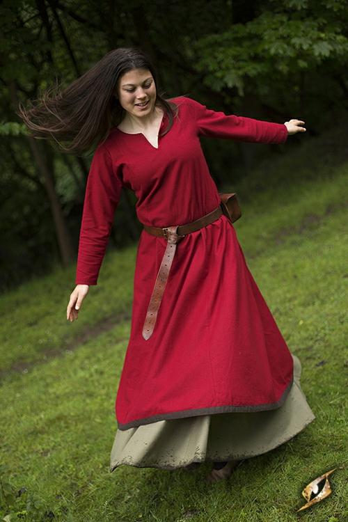 Robe avec surpiqures en rouge S 4