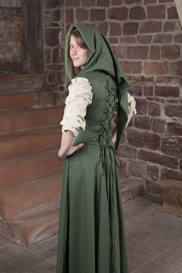 Robe médiévale Loris en vert 4