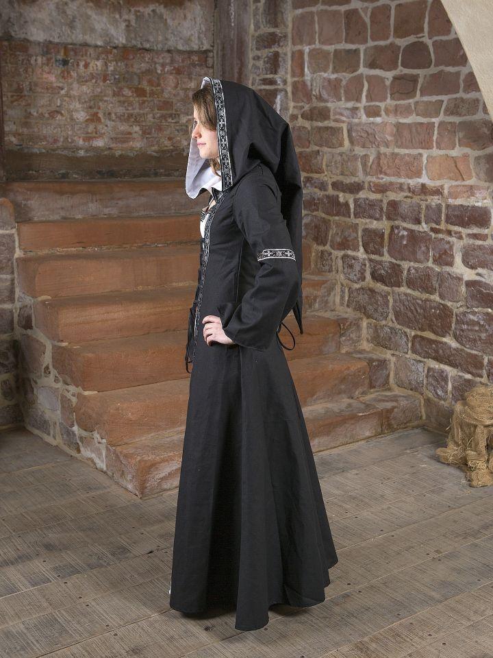 Robe médiévale Brida en noir et blanc 4