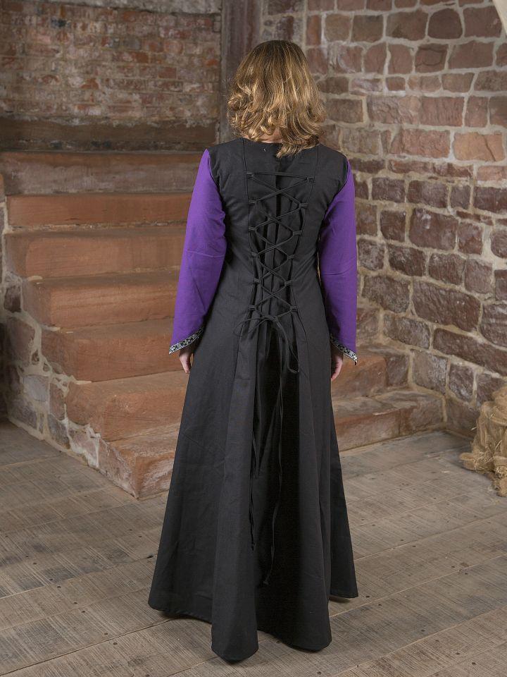 Robe médiévale Jacqueline en noir et lilas 4