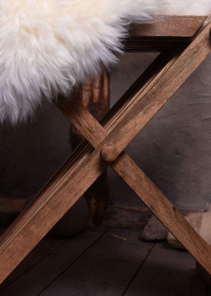 Chaise ciseaux médiévale 4