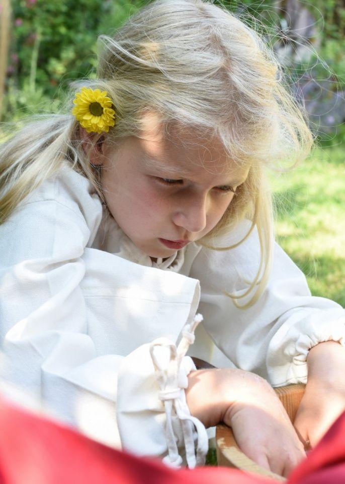 Robe médiévale Mara pour enfant écrue 5