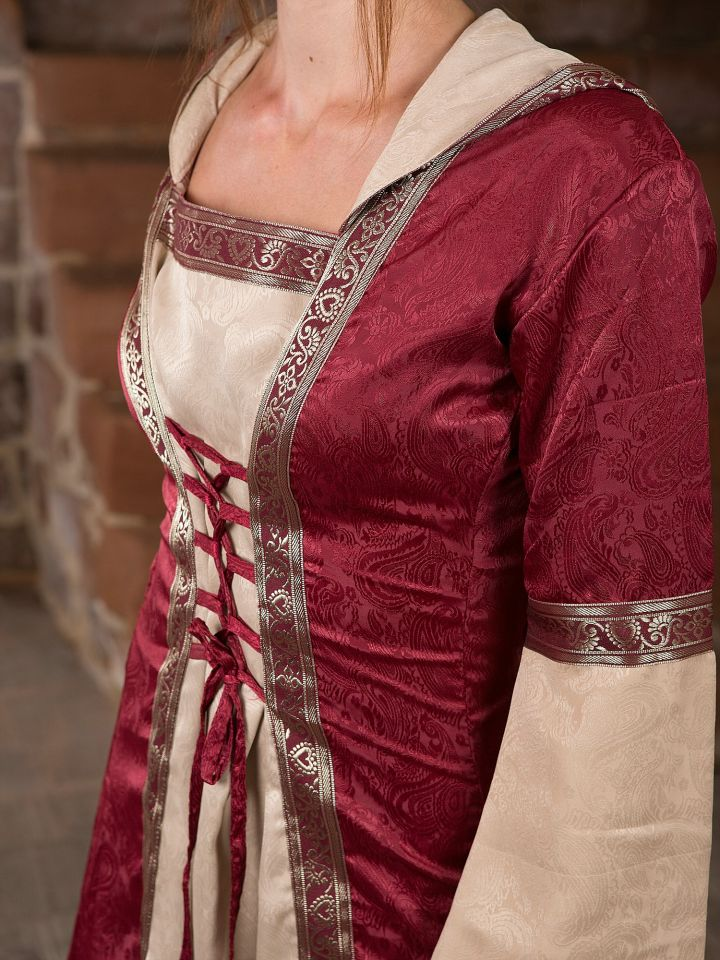 Robe médiévale avec capuche 5