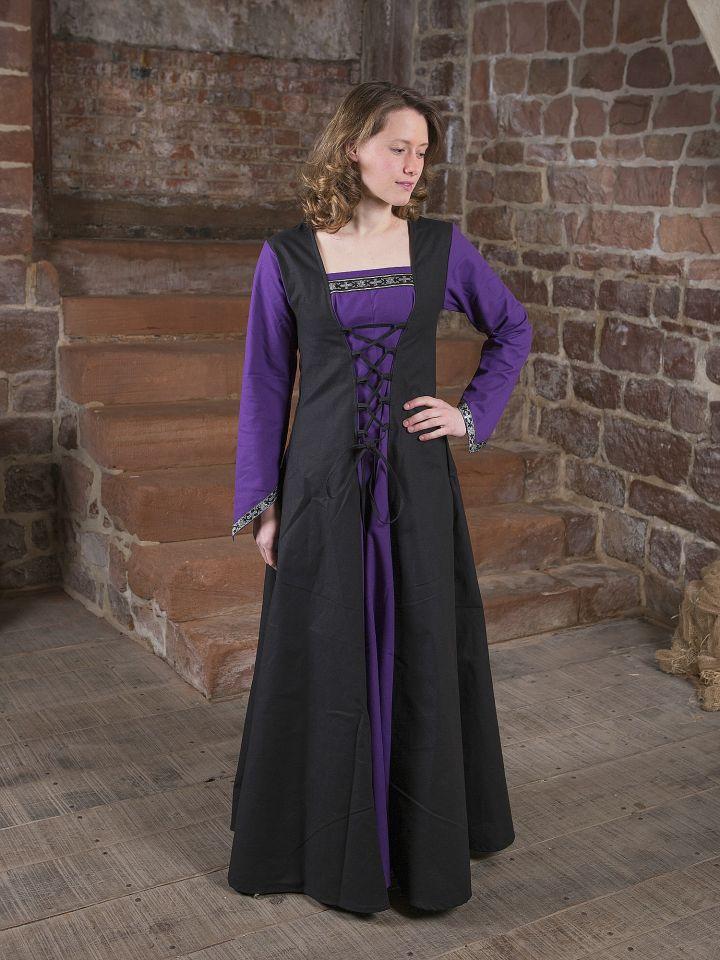 Robe médiévale Jacqueline en noir et lilas 5