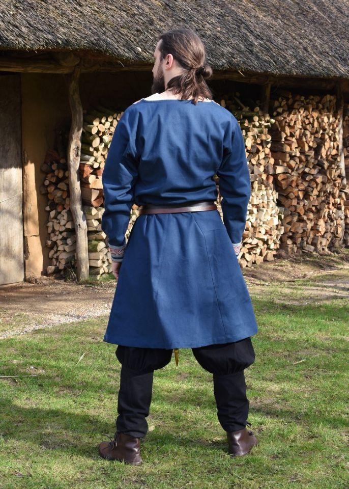 Tunique Viking avec broderies, en bleu 6